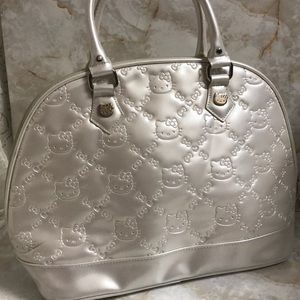 Loungefly Hello Kitty bowler bag pearl sz L